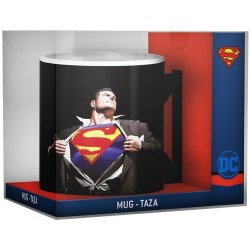 SUPERMAN - SCULPED MUG